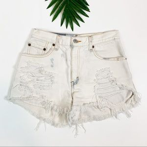90's VTG Levi's 550 Mom Fit Cutoff Jean Shorts 4